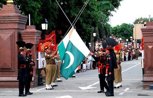 Wagah border essay // wagah border - wagah border amritsar - parade ...