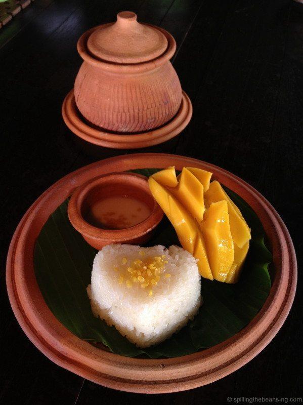 13. Khao Neow Mamuang